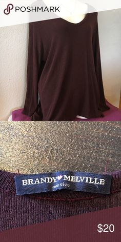 Maroon Brandy Melville Sweater A super cute maroon Brandy Melville sweater. It's very heavy and long. OS- one size. No flaws! Brandy Melville Sweaters V-Necks
