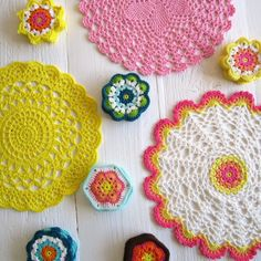doilies to crochet Crochet Dollies, Crochet Diy, Crochet Home, Thread Crochet, Love Crochet, Crochet Motif, Crochet Crafts, Yarn Crafts, Crochet Flowers
