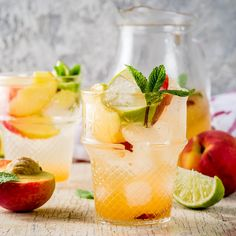 The 23 Best Flavored Water Recipes of All Time - Food: Veggie tables Best Flavored Water, Cucumber Infused Water, Flavored Water Recipes, Fuzzy Navel, Green Detox Smoothie, Smoothie Cleanse, Green Smoothies, Juice Cleanse, Juicer Recipes