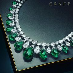 By @graffdiamonds #emeralds #diamonds #necklace #emerald #beauty  #mm_mucevhermagazin