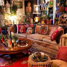 180 awesome bohemian living room decor ideas - page 19 > Homemytri. Bohemian House, Bohemian Interior, Bohemian Decor, Bohemian Gypsy, Vintage Bohemian, Boho Style Decor, Coastal Style, Boho Living Room, Bohemian Living