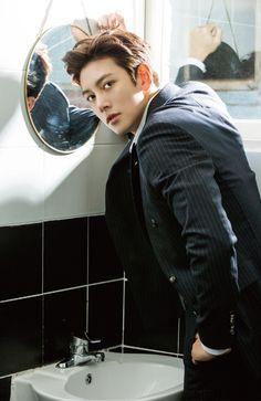 Photoshoot for Hanryu Pia Japanese Magazine (Jan. ❤❤ 지 창 욱 Ji Chang Wook ♡♡ that handsome and sexy look . Ji Chang Wook Smile, Ji Chang Wook Healer, Ji Chan Wook, Park Hae Jin, Park Seo Joon, Seo Kang Joon, Asian Celebrities, Asian Actors, Korean Actors
