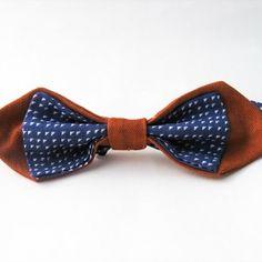 ALTERNATIVE TOUCHE Modèle pointé de base orange, mélangé avec un tissu léger bleu et blanc. Modèle unique.
