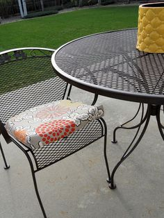 Patio Table and Chair Update   House Ideas   Pinterest   Metal patio     How to refinish my wrought iron furniture    do this before the move  if  time  Just Another Hang Up  Refurbishing Wrought Iron Furniture