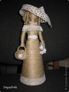 Куклы Поделка изделие 8 марта День рождения Моделирование конструирование Незнакомка повторюшка Бусины Клей Кружево Шпагат фото 1