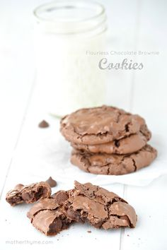 Flourless Chocolate Brownie Cookies - Mother Thyme - I did not have any chocolate chips but had some ande's candy pieces. I just ate one warm and oh my. Flourless Chocolate Brownies, Chocolate Brownie Cookies, Chocolate Desserts, Paleo Brownies, Chocolate Chips, Yummy Cookies, Yummy Treats, Delicious Desserts, Sweet Treats