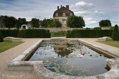 JARDINS Les Jardins du Château de Pommard- Une réalisation récente dans un style à la française, à découvrir.
