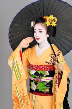 John Paul Foster - A Photographer of Geisha, Maiko, and Kyoto | Geisha & Maiko II | 4