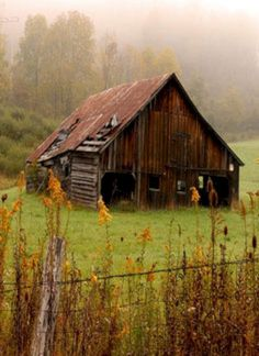 Beautiful Classic And Rustic Old Barns Inspirations No 04 (Beautiful Classic And Rustic Old Barns Inspirations No design ideas and photos Old Buildings, Abandoned Buildings, Abandoned Places, Abandoned Castles, Abandoned Mansions, Farm Barn, Old Farm, Barn Pictures, Cabin In The Woods