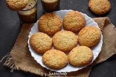 Coconut Barfi Recipe, Burfi Recipe, Coconut Biscuits, Coconut Cookies, Brownie Recipes, Cookie Recipes, 3 Ingredient Ice Cream, Butter Bakery, Ginger Lemonade