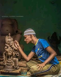 Only happens in Nepal 😍 A perfect example of Religious Harmony. A Muslim boy carving a Hindu's God, Ganesh. . . 📷 By Yuvraj Sharma
