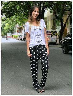 Todo o charme das bolinhas numa modelagem puro conforto! Aposte em T-shirts para looks descolados ou em blusas lisas para manter a linha clássica com muito charme! 😉