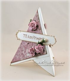 Cardville- Cards by Elizabeth: Tutorial: Easy to make pyramid placement cards/ Pyramide- bordkort Fun Fold Cards, Pop Up Cards, Folded Cards, Cool Cards, Diy Cards, Wedding Cards Handmade, Greeting Cards Handmade, Card Making Tutorials, Making Ideas