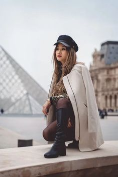 The Cutest Boots For the Winter Season Winter Fashion Outfits, New Outfits, Fashion Tips, Fashion Hacks, Casual Outfits, Street Look, Street Style Looks, Classic Ugg Boots, Cute Boots