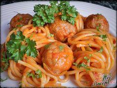 Nevím, jestli všechny děti zbožňují špagety tak jako náš syn. Ale občas mám pocit, že ta jeho vášeň je až chorobná... :D :D :D Tak se alespoň snažím, aby nebyly obligátně pořád jen se sýrem a kečupem... Autor: Danka Spaghetti, Penne, Tortellini, Tandoori Chicken, Mozzarella, Pasta Recipes, Zucchini, Soup, Snacks