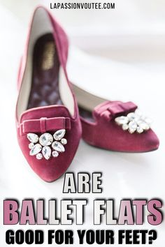 Looking for super comfortable ballet flats with arch support that will not hurt your feet? Check out these Tieks alternatives. Black Fashion Bloggers, Petite Fashion Tips, Black Women Fashion, Indie Fashion, Only Fashion, Fashion Tips For Women, Korean Fashion, Fashion Ideas, Casual Street Style
