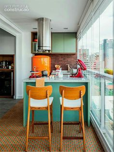 Stunnning Wooden Barstool and Kitchen counter | Kitchen inspiration.