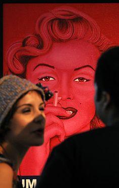 "Marilyn Monroe smoking, during the exhibition ''Fumar es nocivo'' (""Smoking is Damaging"") by Panamanian artist Felipe Diaz."