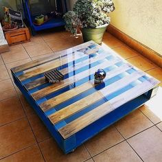 Wooden Pallet Furniture 10 Easy Pallet Bench ideas for your home to complement your rustic decor Pallet Table Ideas Design No. Wood Pallet Tables, Wooden Pallet Projects, Wooden Pallet Furniture, Wooden Pallets, Pallet Ideas, Diy Furniture, Pallet Bench, Pallet Wood, Garden Furniture