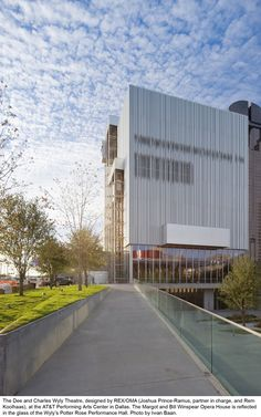 Image 2 of 20 from gallery of Dee and Charles Wyly Theatre / REX + OMA. Photograph by Iwan Baan