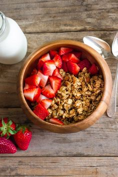 Homemade Coconut Oil Honey Almond Granola - Lovely Little Kitchen