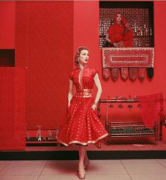 Sari dress of silk, cotton and pure gold thread, photo by Mark Shaw, 1955