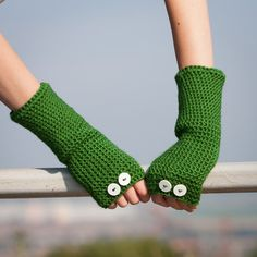 Green Fingerless Gloves / Crochet Buttons Arm Warmers / Fall Winter Accessories / Apple Green Gloves with White Buttons /Fashion Accessories
