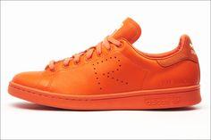 http://www.houyhnhnm.jp/fashion/news/images/adidas-by-RF_Stan-Smith_B35497.jpg