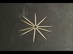 Estrella con palillos y una gota de agua - Experimento sobre capilaridad