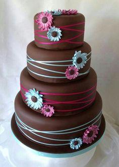 Gerber daisy cake
