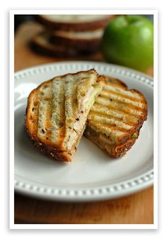 Turkey, Brie and Apple Grilled Sandwich Recipe
