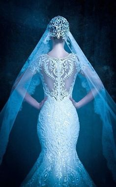 Beautiful lace dress the back is to die for