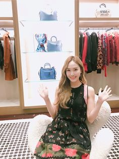 Jessica Jung updates fans with photos from COACH's event