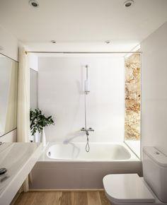 Reforma interior de un piso en Les Corts / Sergi Pons