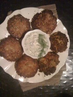 Copycat crab cake recipe from the keg! These dont look that great but they are fantastic