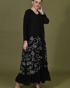 #Repost @black_rose_store with @instatoolsapp  New looks  #subhanabayas #fashionblog #lifestyleblog #beautyblog #dubaiblogger #blogger #fashion #shoot #fashiondesigner #mydubai #dubaifashion #dubaidesigner #dresses #capes #uae #dubai #abudhabi #sharjah #ksa #kuwait #bahrain #oman #instafashion #dxb #abaya #abayas #abayablogger #абая