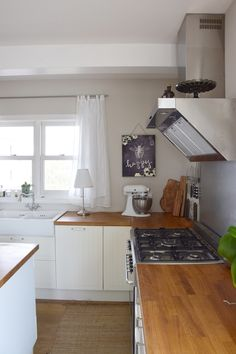 Alpina+Elegante+Gelassenheit+produkttest+farbe+k%C3%BCche+vliestapete+%C3%BCberstreichen+streichen+gasherd+cottage+landhaus.JPG 720×1.080 Pixel