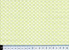 weißer Baumwollstoff- grüne Punkte/Blümchen von miss minty auf DaWanda.com