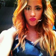 Violetta (Martina Stoessel) Disney Channel, Violetta Music, Argentine, Concert, Love Her, Idol, Photos, Boyfriend, Long Hair Styles