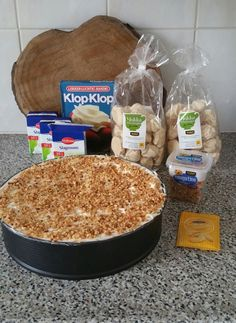 Nougatine ijstaart – Food And Drink Dutch Recipes, Baking Recipes, Sweet Recipes, Dessert Cake Recipes, Pie Dessert, Delicious Desserts, Yummy Food, Pub Food, Sweet Bakery
