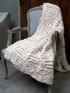Knitting Pattern For Cotton Throw : 1000+ images about knit bedding on Pinterest Chunky knit throw, Knitted bab...