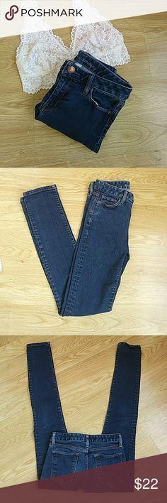 Banana Republic SKINNY Jeans Perfect pair of skinny jeans ❤ Banana Republic Jeans Skinny