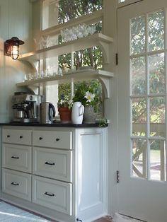 shelves georgianadesign:  Brian Patterson Designs, Decatur, GA.
