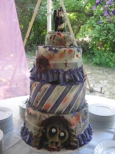 Not as awesome as my zombie wedding cake, but I still dig it :-) Zombie Wedding Cakes, Creative Wedding Cakes, Zombie Cakes, Horror Cake, Fantasy Cake, Halloween Cakes, Halloween Ideas, Halloween Party, Different Cakes