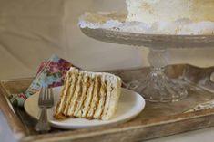 Torta Pompadour de plátano | En Mi Cocina Hoy Torta Pompadour, Vegan Cake, Carrot Cake, Vanilla Cake, Carrots, Banana, Sweets, Cooking, Desserts