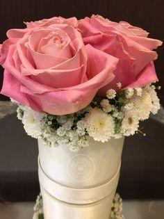 #FlowersInABox #ανθοσύνθεση #ανθοπωλείο #lesfleuristes #διακόσμηση #καπελιέρα #λουλούδια Flower Boxes, Flowers, Vase, Home Decor, Window Boxes, Decoration Home, Room Decor, Florals, Jars