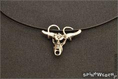 Neu Bullenschädel am Lederband  Halskette Anhänger von SpinnWeben
