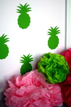 Pineapple wall decals - 10 ways of welcoming guests with pineapple decor #pinkandgreen