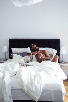 Mornings like this . Morning Bed, Lazy Morning, Good Morning Good Night, Bed Photos, Bedroom Photos, Foto Casual, Dog Mom Gifts, Morning Pictures, Lazy Days