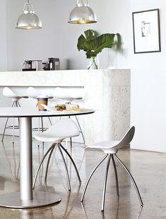 Onda table stool for a stylish kitchen